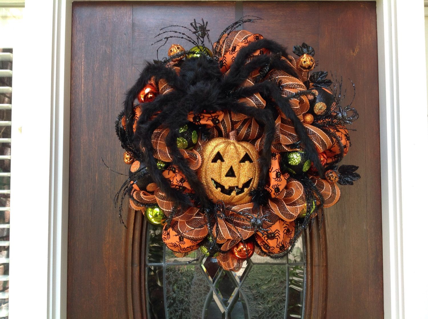 Large Spider and Pumpkin Wreath by HertasWreaths on Etsy