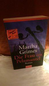 Martha Grimes – Die Frau im Pelzmantel – tinaliestvor
