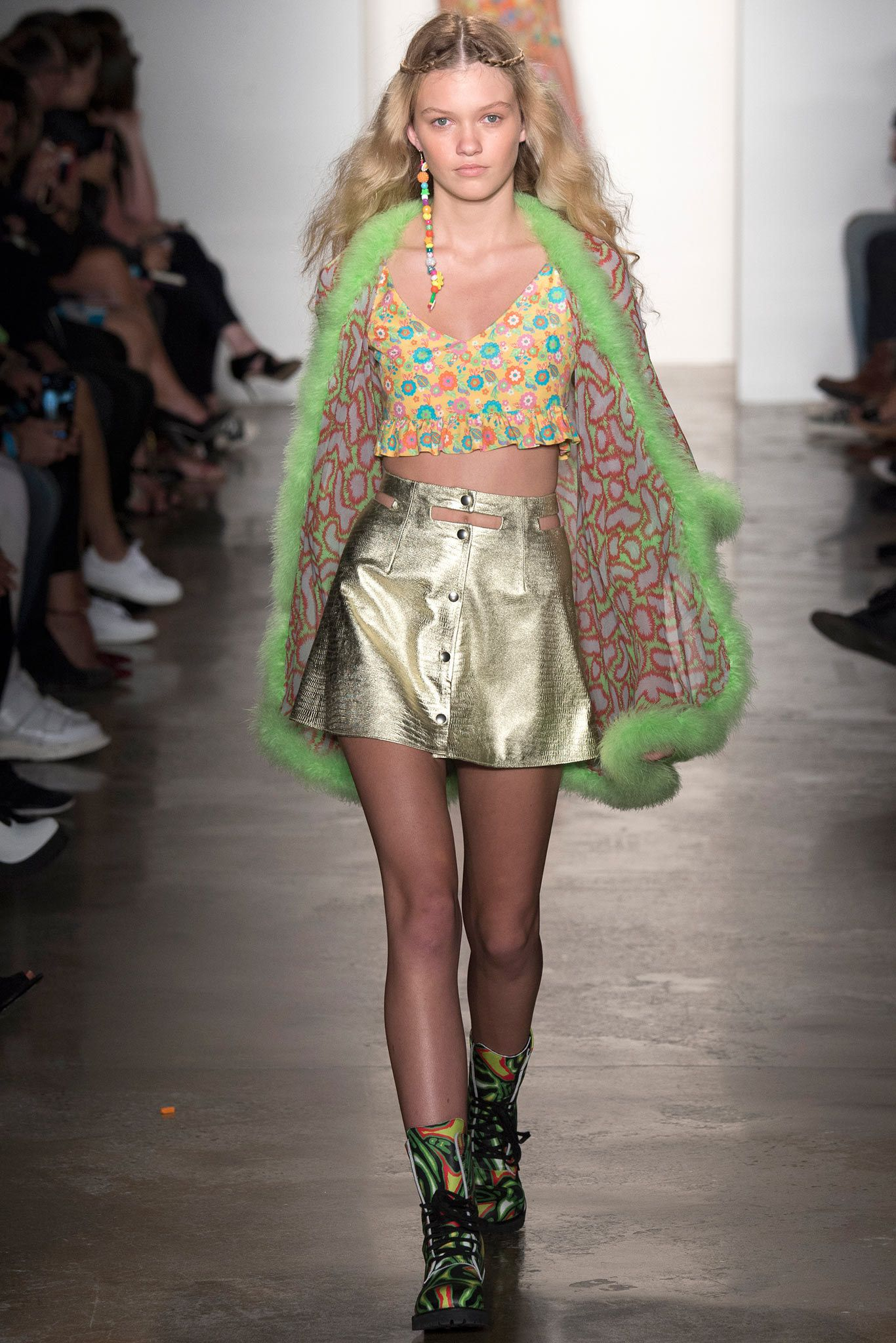 646aa6519f Jeremy Scott Spring 2015 Ready-to-Wear Fashion Show - Maggie Laine (IMG New  York)