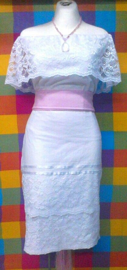 Hermoso traje de blusa y falda con encaje, buscanos en trajes tipicos nu u mini