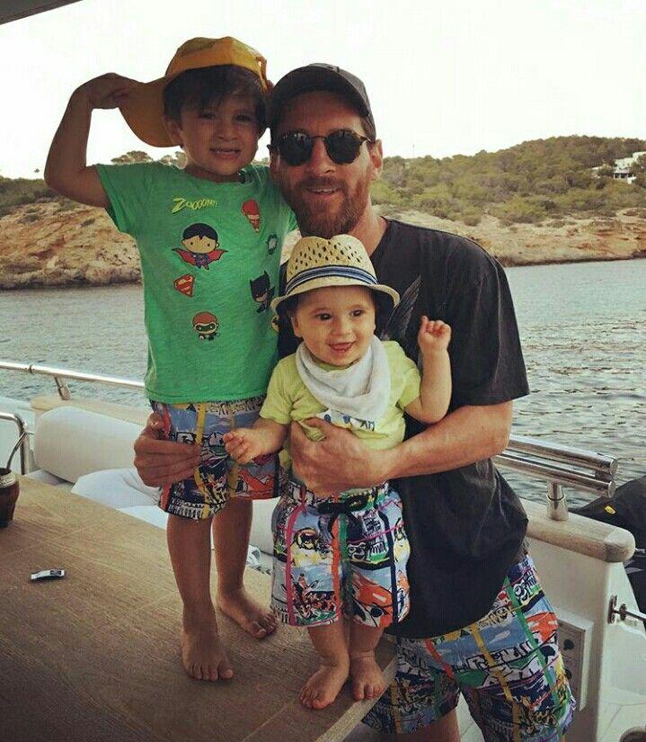 Messi con sus hijos