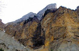 Trekking De Bernard En Rendant Visite Aux Chamois Du Ravin De La Gorgette Trekking Visite Randonnee