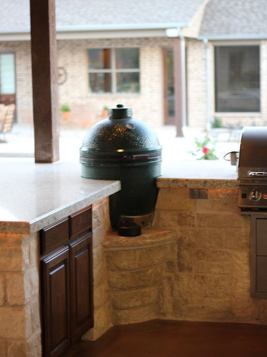 outdoor kitchen - lowered shelf for green egg | outdoor living ideas ...