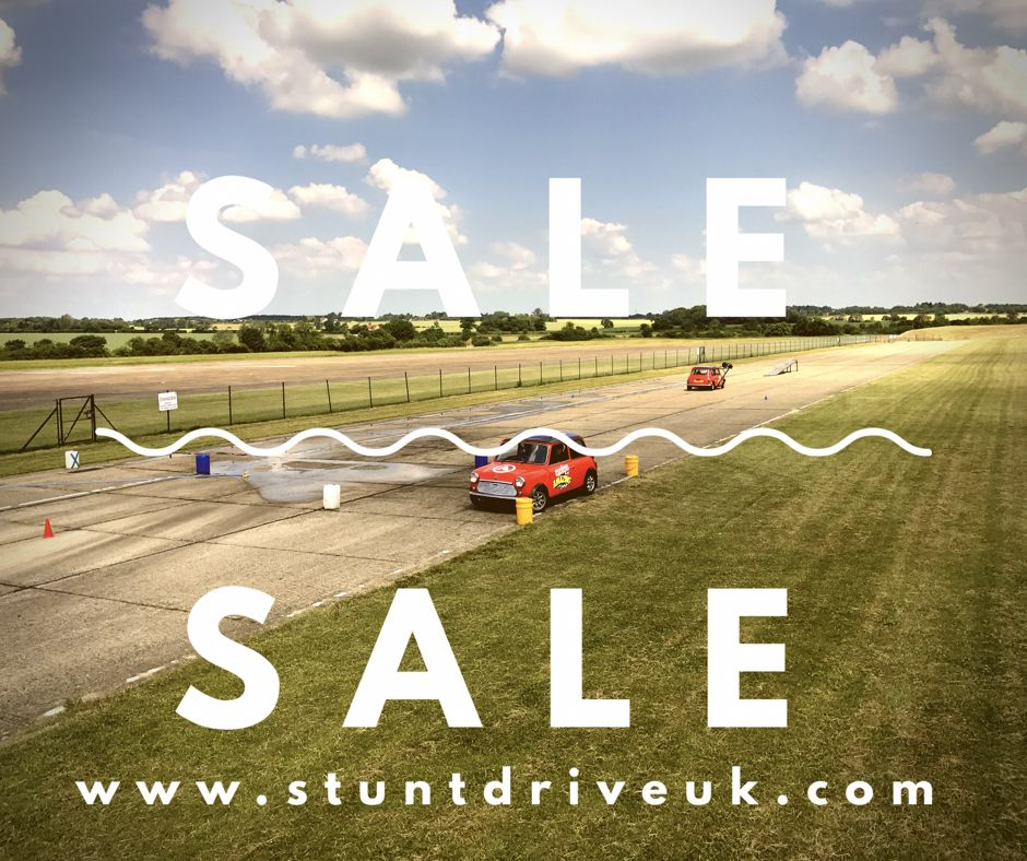 Our Early Bird Online Xmas Sale Has Started Don T Give A Last Minute Boring Gift This Xmas Give Something Magnific Stunts Boring Gift Driving Experience