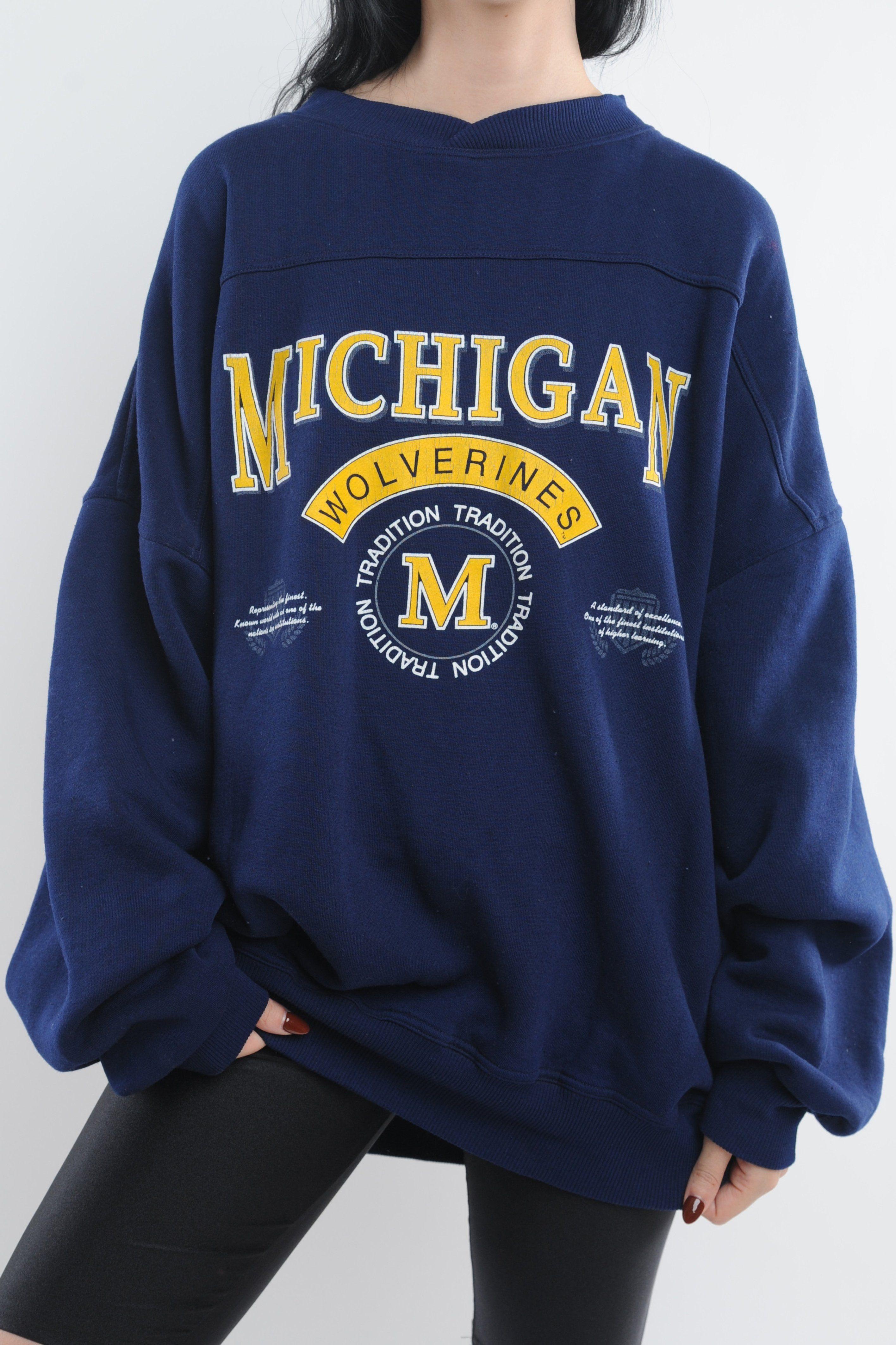 Pin By Kiera Stevenson On I Like Michigan Sweatshirt University Of Michigan Sweatshirt Sweatshirts [ 4253 x 2832 Pixel ]