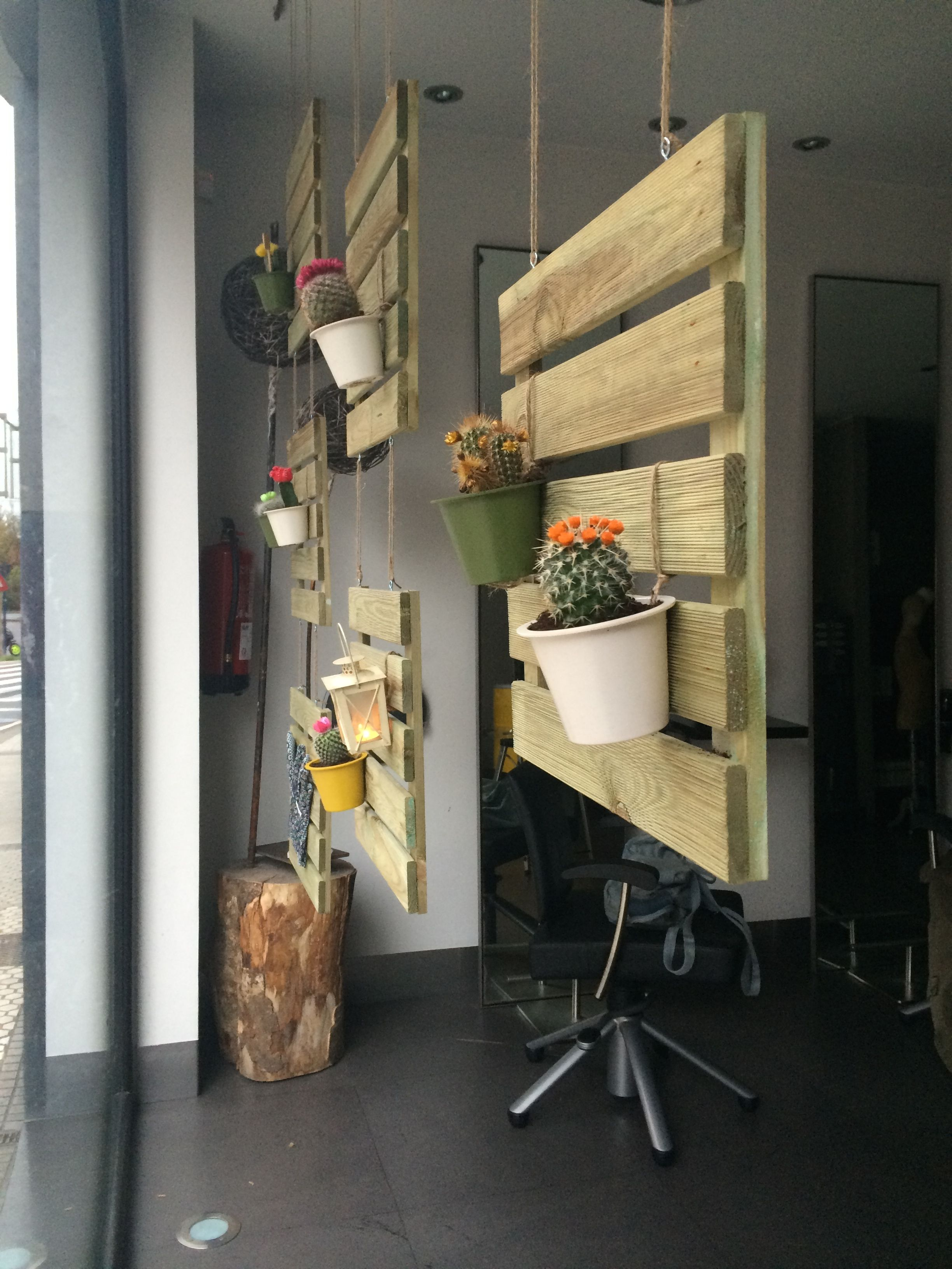 Decoracion Navideña Escaparates Escaparate Primavera 2 Escaparates En 2018 Pinterest