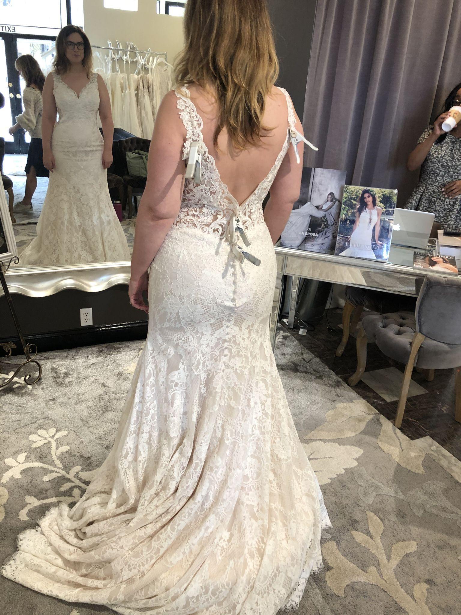 Allure Bridals 9412 Wedding Dress Sample Size 18 600 Allure Bridal Wedding Dresses Dresses [ 2048 x 1536 Pixel ]