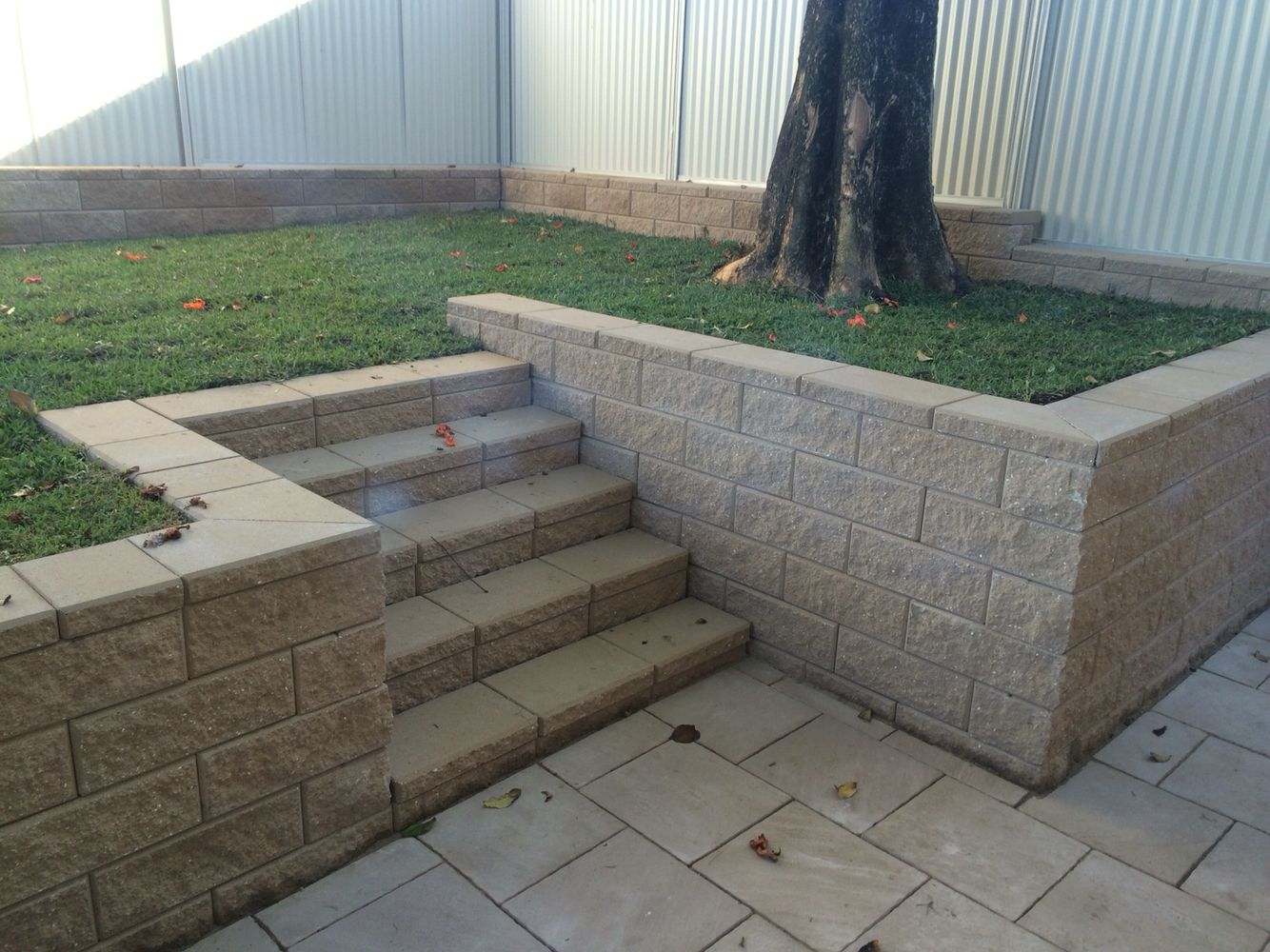 Moderstone Retaining Wall Blocks With Stairs, Sandstone Style Conc Pavers