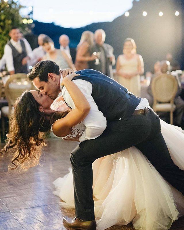 Instagram Post By Bazaar Noiva Apr 27 2016 At 9 35pm Utc Wedding Kisswedding First