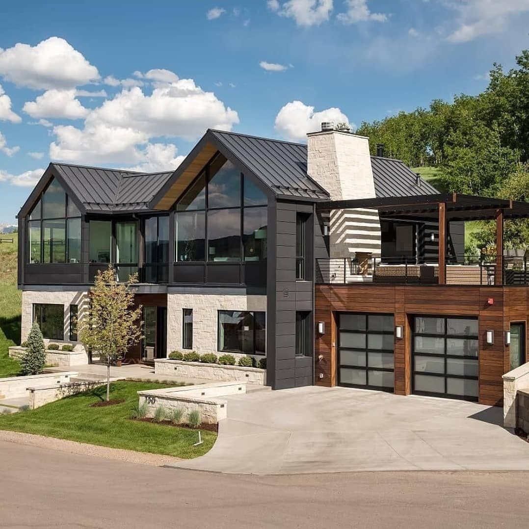 Take A Look At This Stunning House Double Tab If You Like It Use Contemporary Architecture Design Modern Farmhouse Exterior Dream House Exterior
