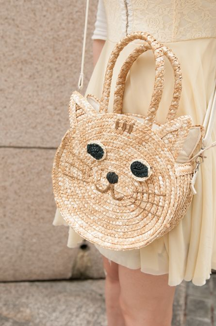 Japanese street fashion - kawaii cat purse