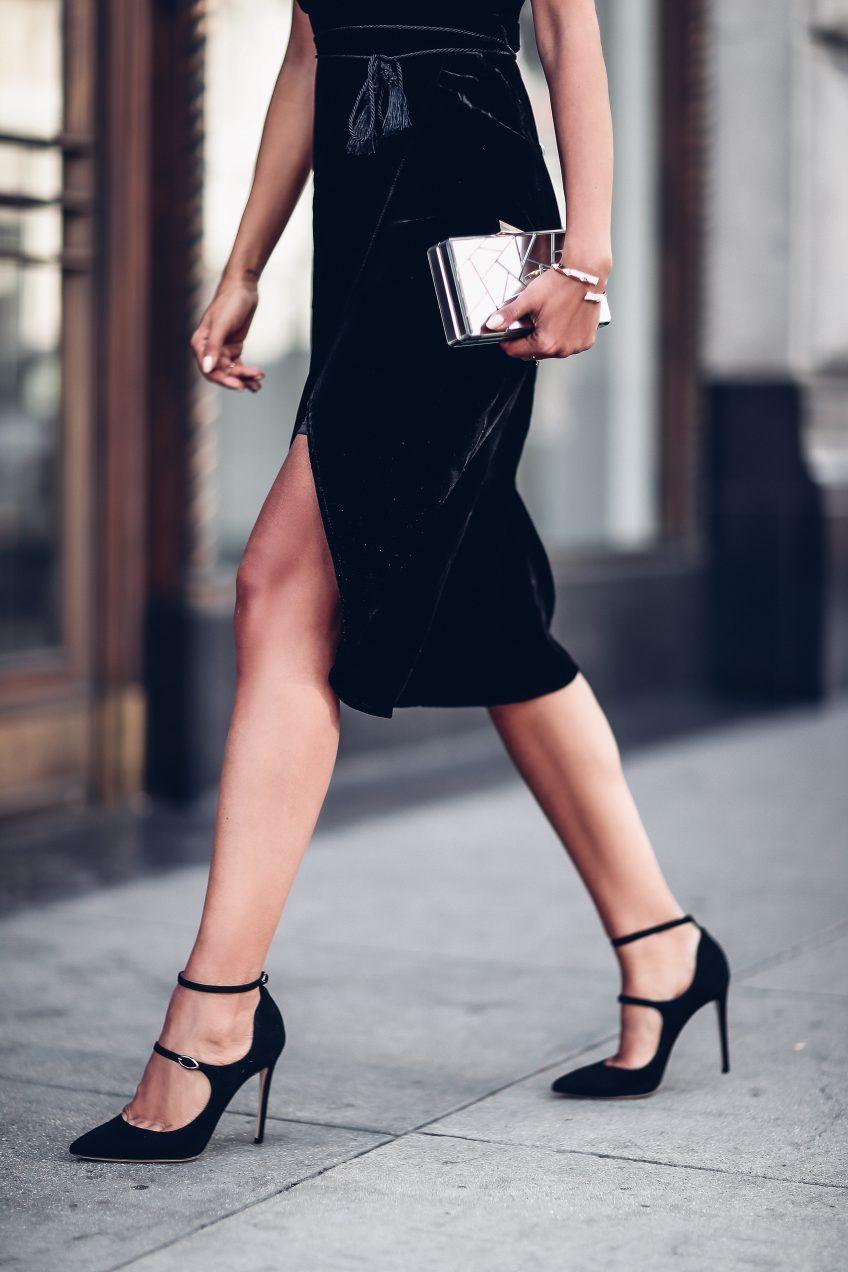 Velvet Wonderland Vivaluxury Fashion Little Black Dress Black Women Fashion [ 1272 x 848 Pixel ]