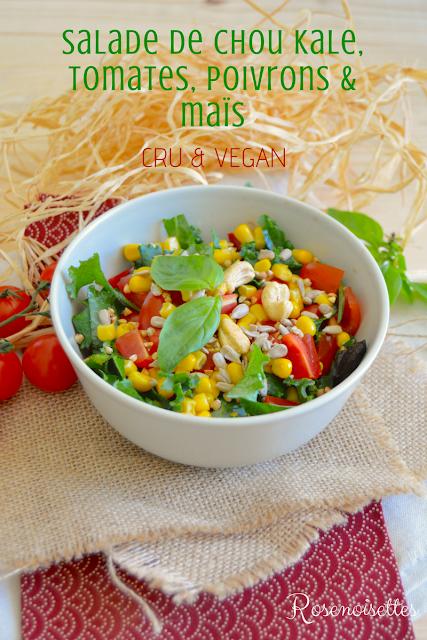 Salade Crue De Chou Kale Tomates Poivrons Et Mais Cru Vegan En