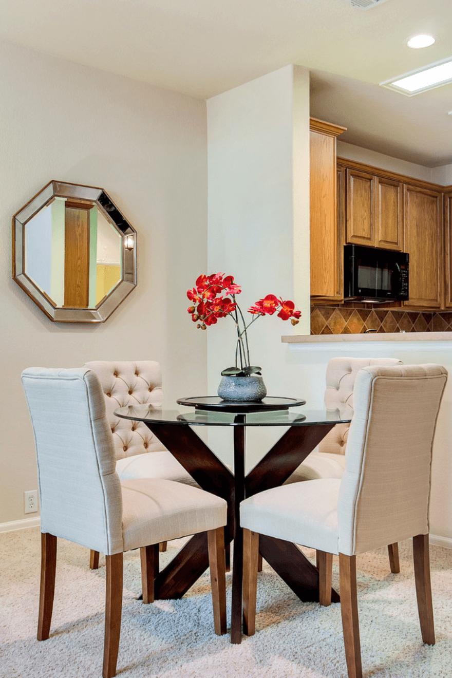 Salas pequenas 41 fotos de salas decoradas arquidicas for Disenos de sala comedor pequenos
