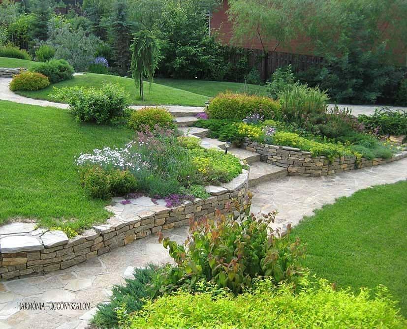 Pin de lou v en jardin jardiner a paisajismo y for Jardineria al aire libre casa pendiente