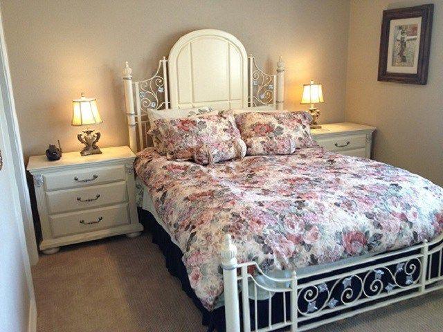 Desain Interior Kamar Tidur Gaya Shabby Chic Gaya Para Penggemar Vintage Yang Manis Anggun Interiordesign Id Cantik Asri Ide Dekorasi Rumah Desain Interior