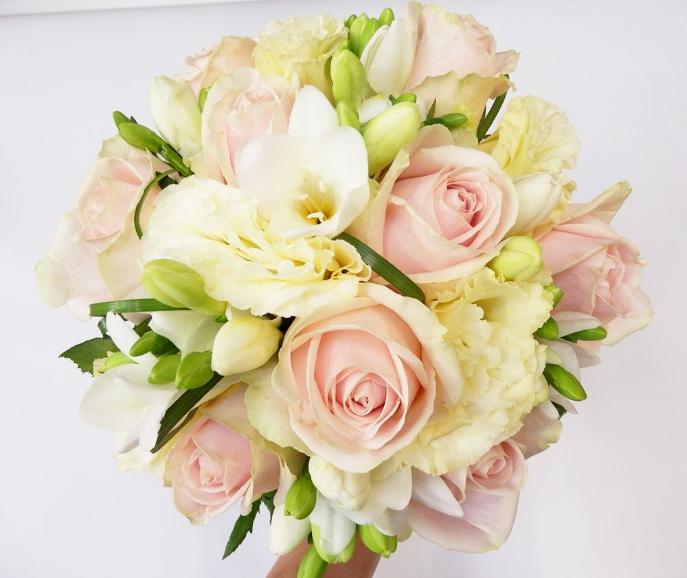 bouquet mari e par fran oise reynal fleuriste bordeaux bouquet mari e pinterest bouquet. Black Bedroom Furniture Sets. Home Design Ideas