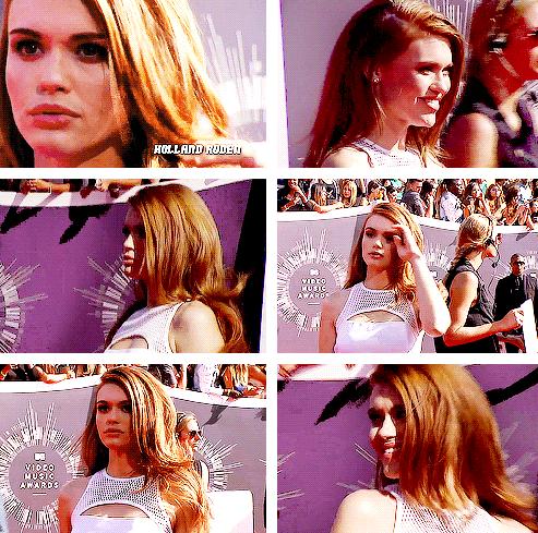 Holland Roden - MTV Video Music Awards Red Carpet 2014
