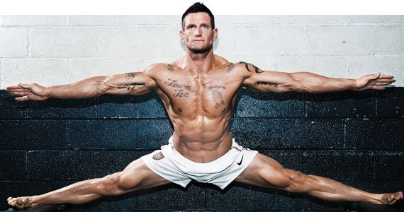 Punter Power Steve Weatherford S Football Workout Bodybuilding Com Football Workouts Athletic Body Workout