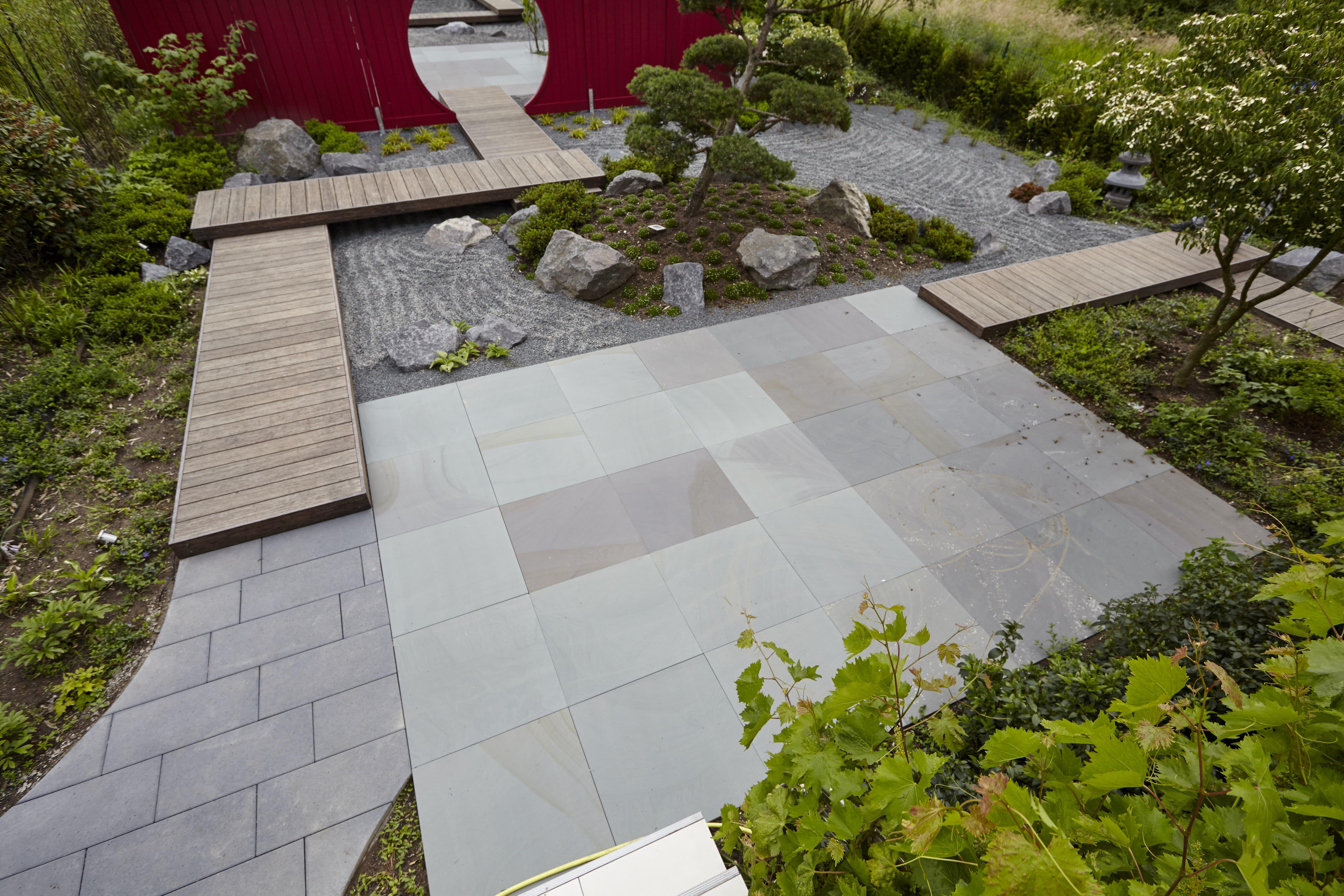 Kraft Tanken In Japanischen Garten Von Rheingrun Wunderschone Gartengestaltung Garten Moderner Garten Japanischer Garten