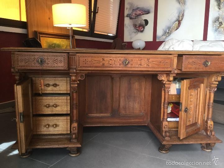 Antig edades escritorio con silla tallado madera noble for Muebles industriales antiguos