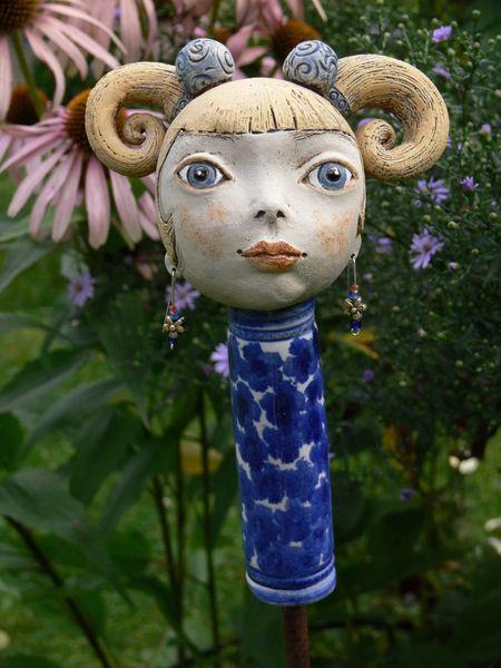 Gartenfiguren zopflieschen jana ein designerst ck for Gartenfiguren aus keramik