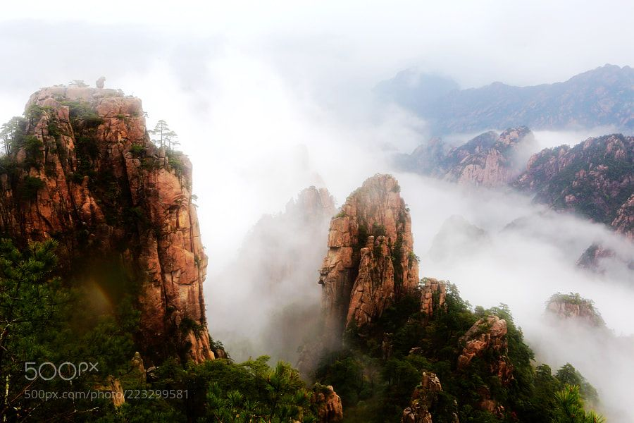 Fog over Huang shan Mt by 2574043315 #Landscapes #Landscapephotography #Nature #Travel #photography #pictureoftheday #photooftheday #photooftheweek #trending #trendingnow #picoftheday #picoftheweek
