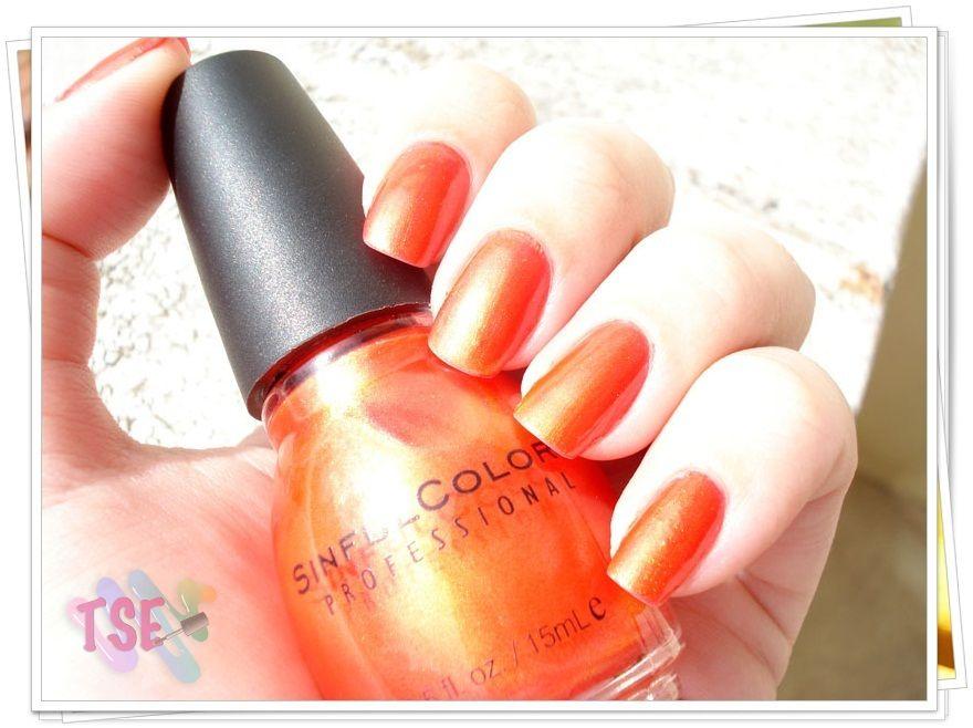 http://tudosobreesmaltes.com/2012/08/24/tapping-nails-sinfulcolors/