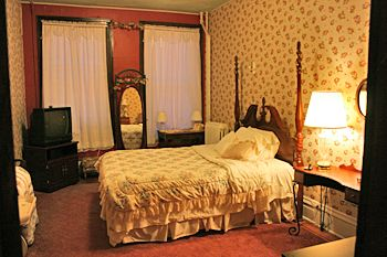Nicely Furnished Room Lowe Hotel Point Pleasant West Virginia