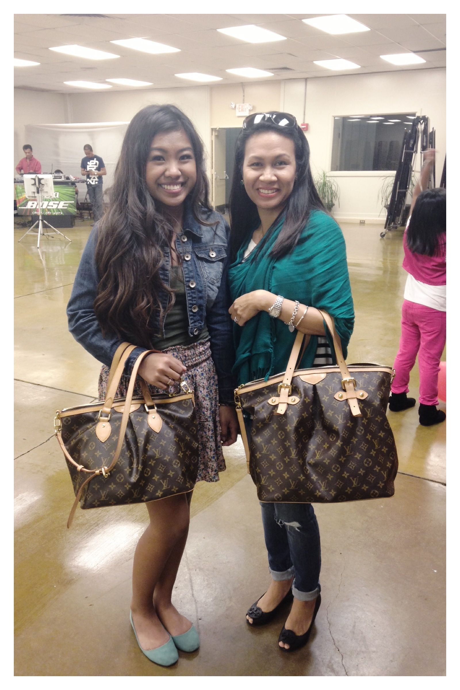 e90b5716e5af1 Louis Vuitton Palermo GM and PM! Sisters