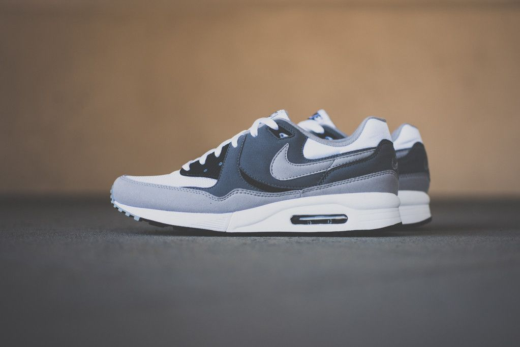 Nike Air Max Light Essential - Cool Grey