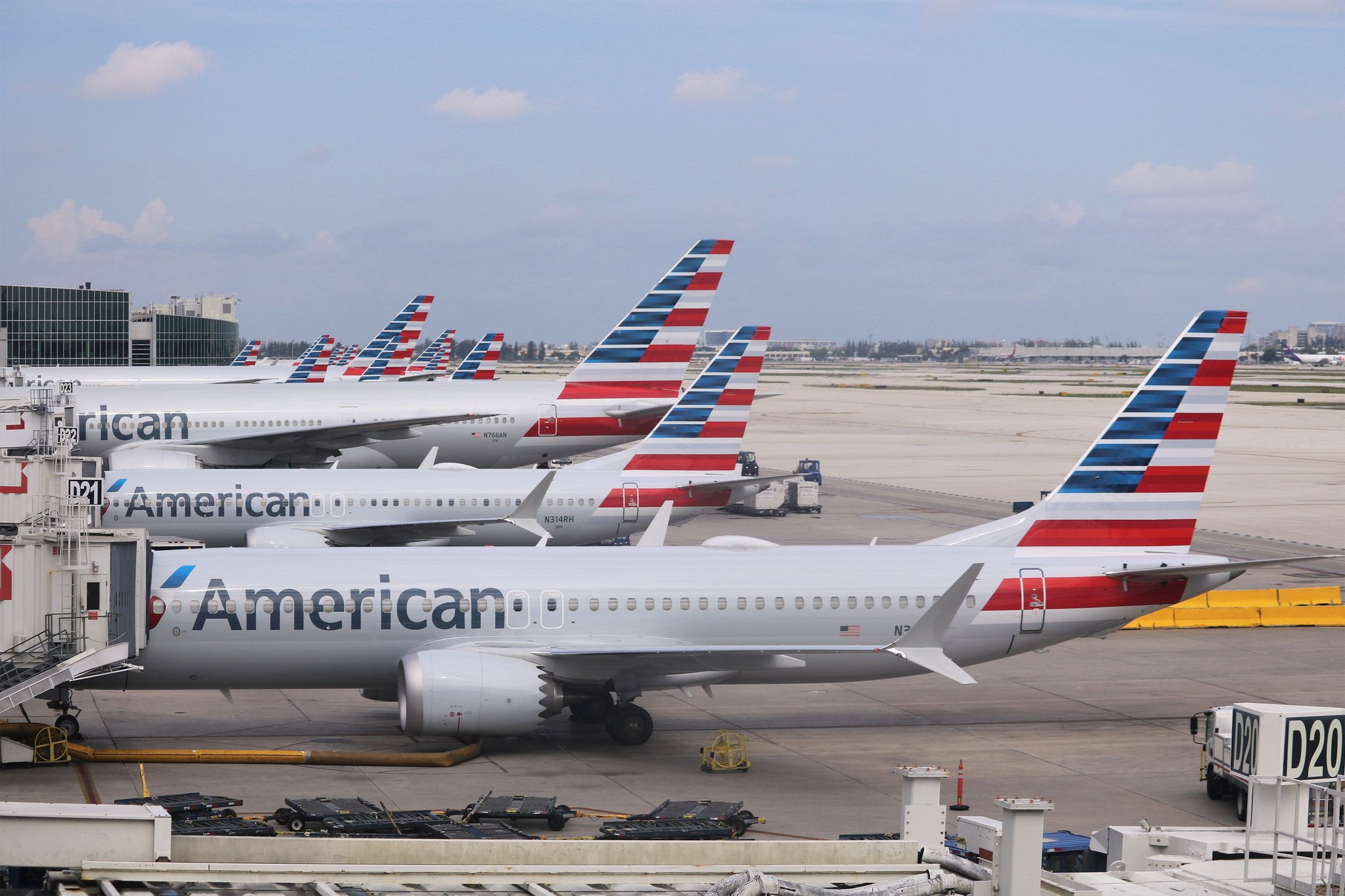 American Airlines lineup at Miami International Airport