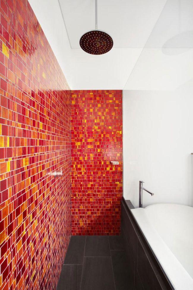 Gut Badezimmer Ideen Fliesen Mosaik Rot Gelb Badewanne