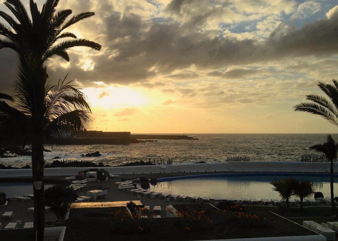 #Ocaso #PuertodelaCruz #LagoMartianez #Tenerife #IslasCanarias