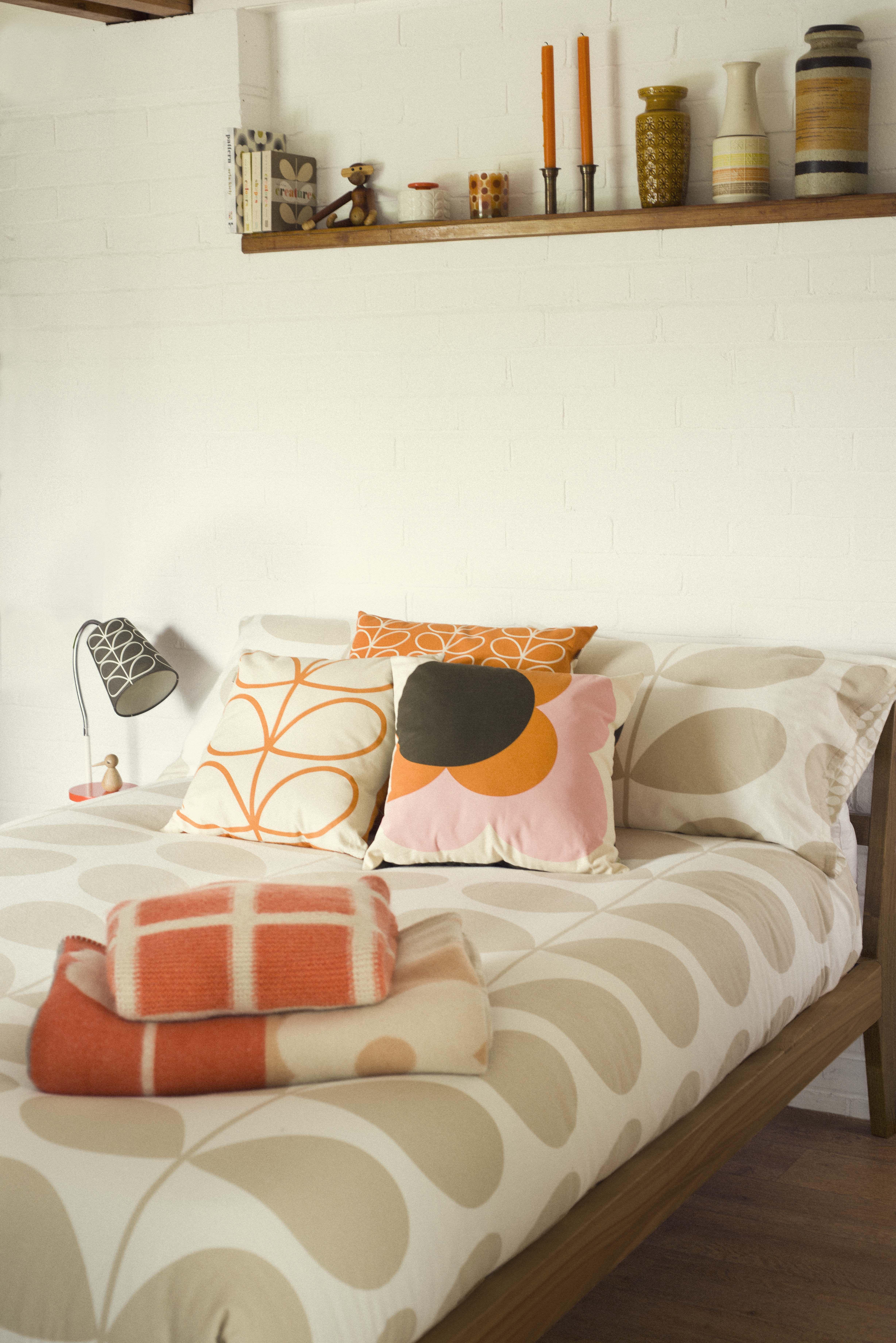 ORLA KIELY LIFESTYLE SHOOT AW 4  Orla kiely bedding, Mid century