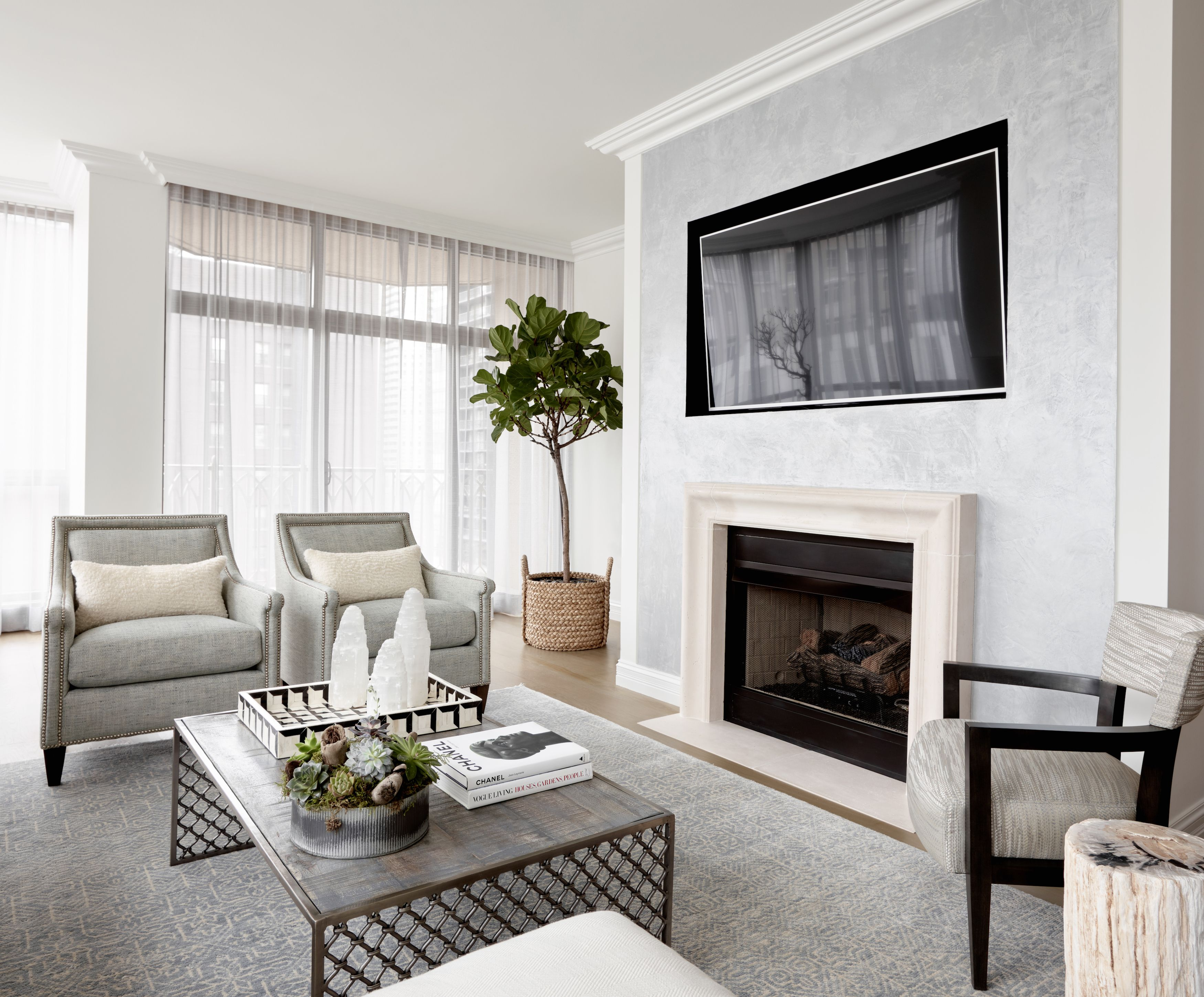 Stephen Young Design | River North, Chicago | Living Room ...