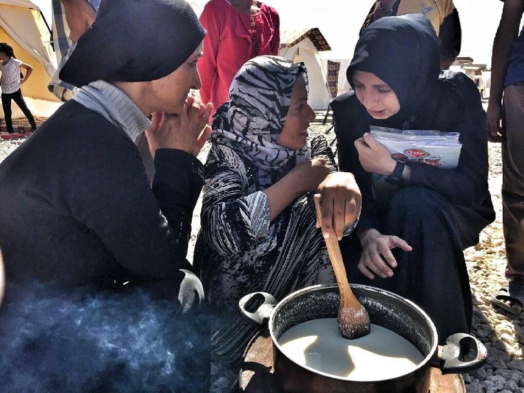 Hem bayramlastik hem dertlerini dinledik. #sanliurfa #mültecihakder #multecikampi #anne  #eidmubarak #bayram #İyilikherzamanheryerde #refugees #refugeescamp #turkey by multecihakder #masiva http://masiva.org