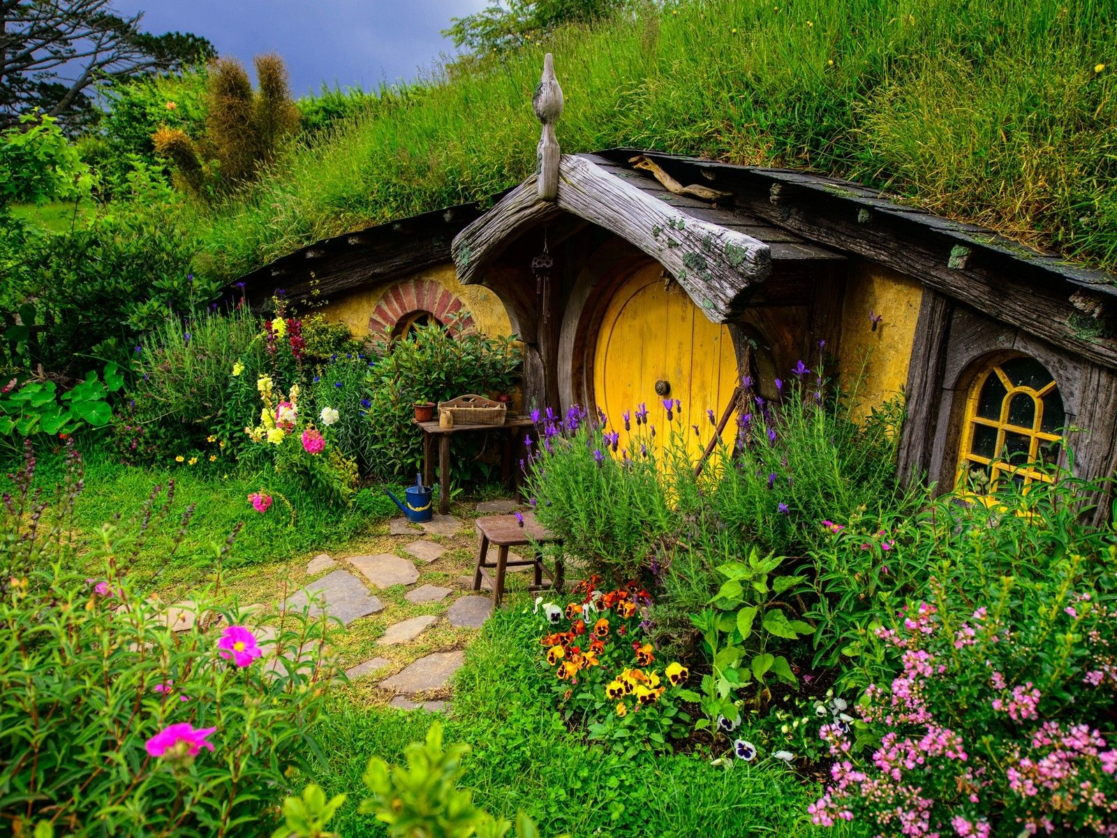 Beautiful Cottages Old Beautiful Cottage Wallpaper Nature Wallpapers Hobbithaus Erdhaus Marchenhaus