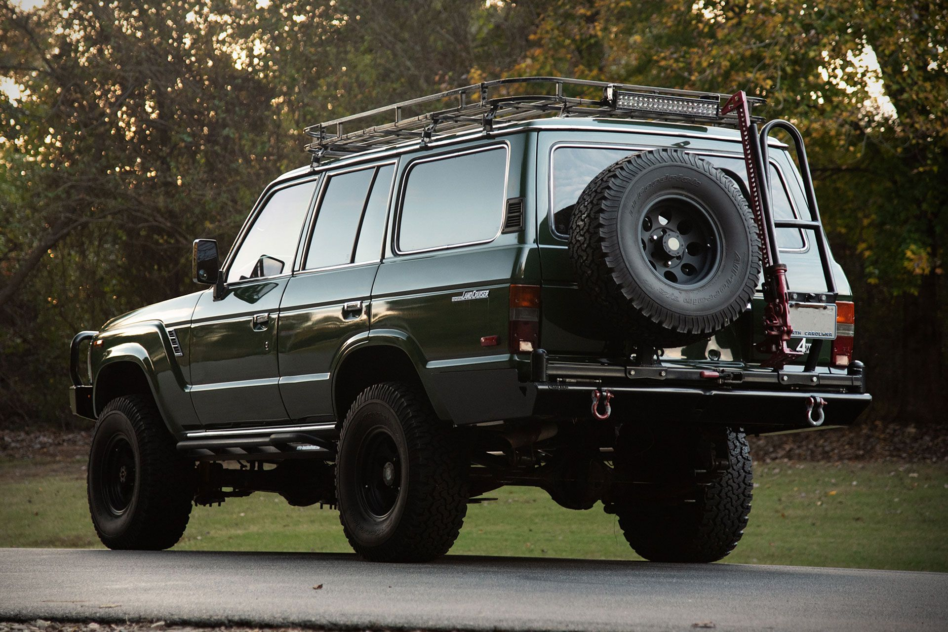 In 1984 Toyota S Land Cruiser Shed Its Jeep Like Roots For A Larger Four Door Wagon Body Style Th Toyota Land Cruiser Land Cruiser Toyota Land Cruiser Prado