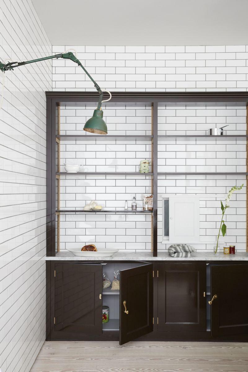 Plain English Marylebone Showroom | 'The Spitalfields Kitchen' by Plain English | www.plainenglishdesign.co.uk #plainenglishkitchen