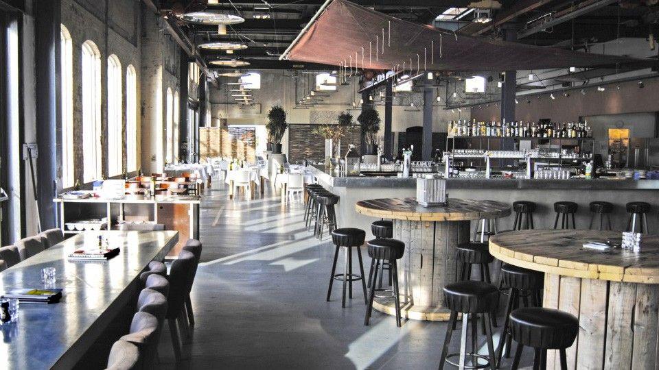 le restaurant stork amsterdam restaurant industrielle. Black Bedroom Furniture Sets. Home Design Ideas