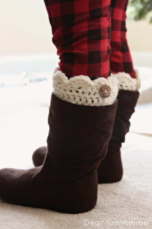 Dear Emmeline: December 15: Crochet Topped Boot Socks | calentadores ...