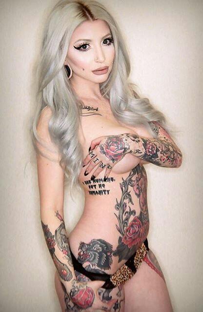 Hot girls outside nude