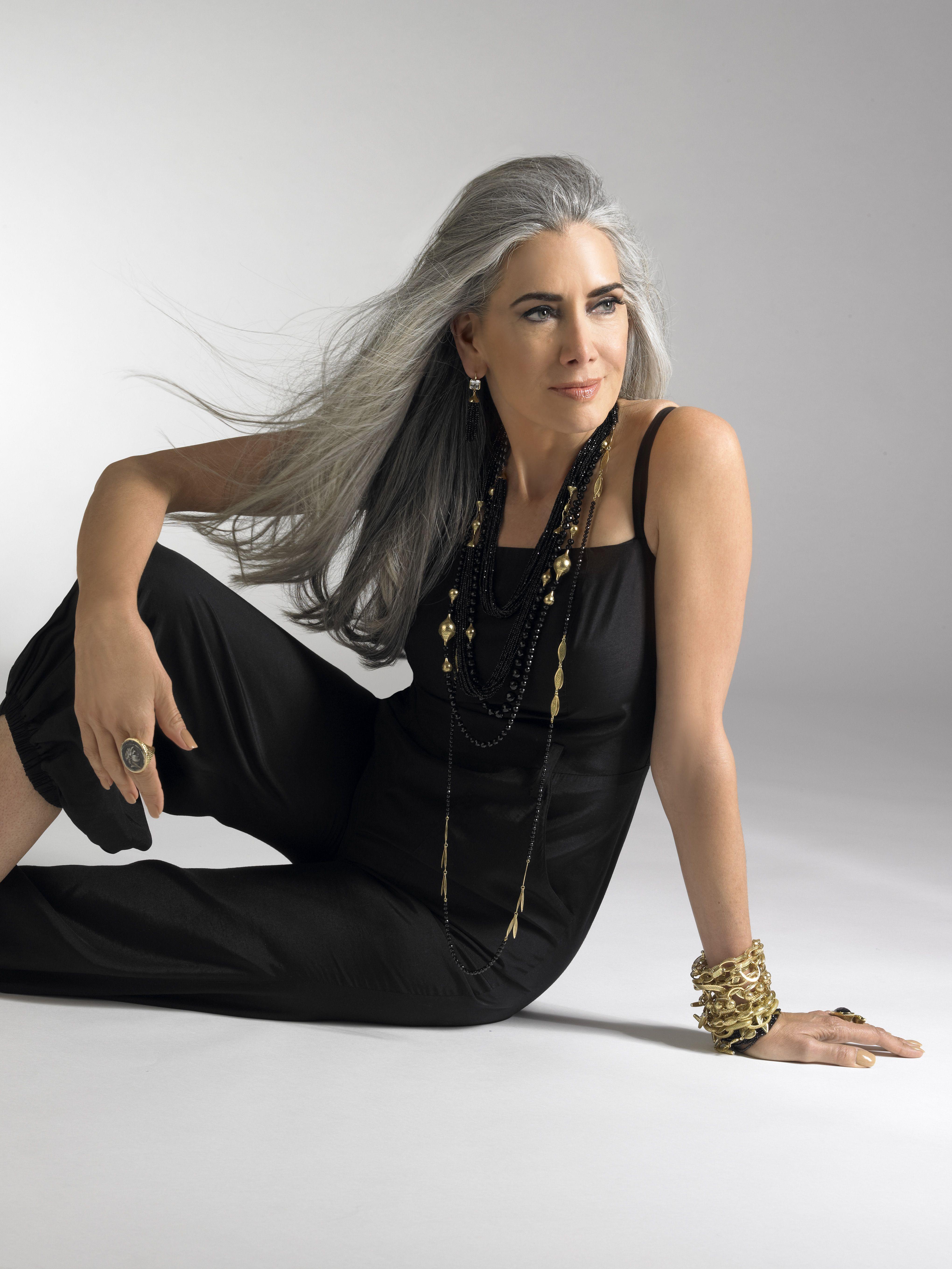 Manon Crespi for Ray Griffiths Jewelry Lunghi Capelli Grigi 48b17e9ca19c