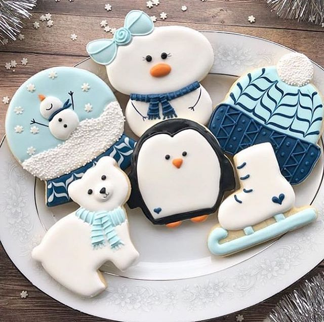 "Photo of Franca Verna on Instagram: ""Who loves the winter cookies? 💙❄️💙These are the perfect creations of @kellys_cookies_ ! They are beautiful beautiful beautiful!…"""