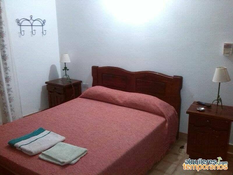 #alquiler de Habitación en #MinaClavero Córdoba, Argentina. AR$300 x día 4 personas http://www.alquilerestemporarios.com/ar/hosteria-el-parral-mina-clavero-alojamiento-seguro_6h8u.html