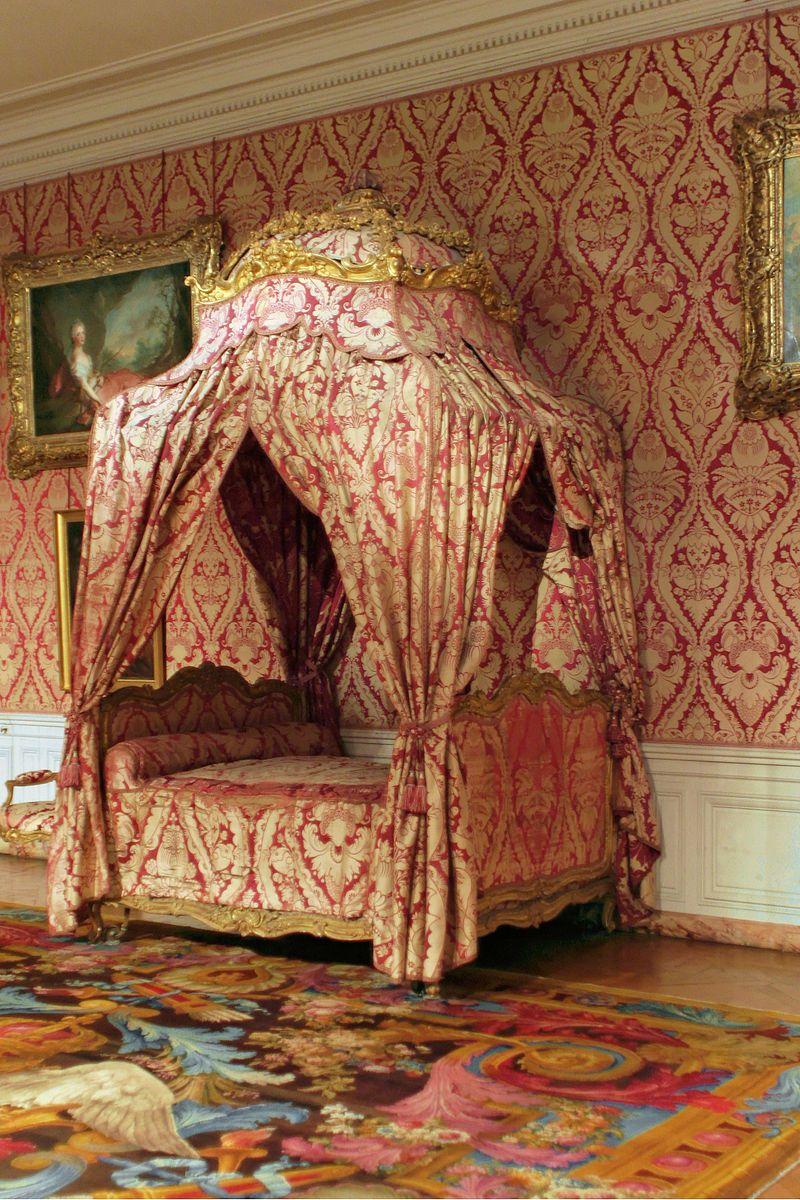 Chateau De Versailles Appartements De La Dauphine Chambre Lit Nicolas Heurtaut Louis Xv Furniture Wikipedia Meuble Lit Baldaquin Baldaquin