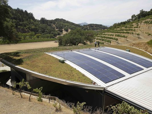 Living Roofs Take Root In Wine Country Green Roof Technology Green Roof Solar Panels For Home