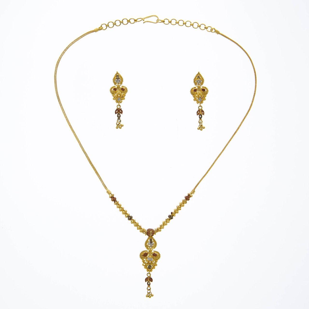 Kt gold filigree three piece set with three tone rhodium accents