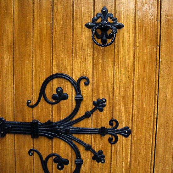 Decorative Gothic Door Hinge